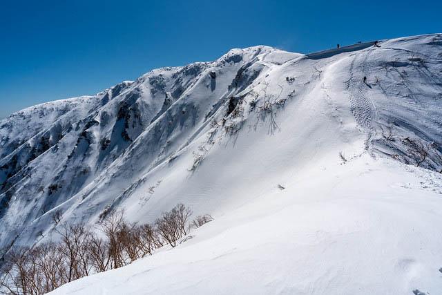 冬の荒島岳